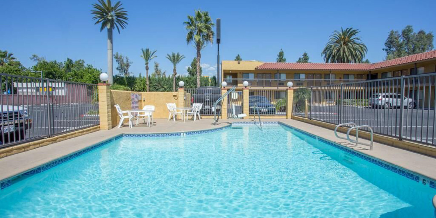 ENJOY THE MANY ON-SITE AMENITIES AT OUR ONTARIO, CA HOTEL. TAKE A DIP IN OUR POOL AFTER A LONG DAY EXPLORING L.A.